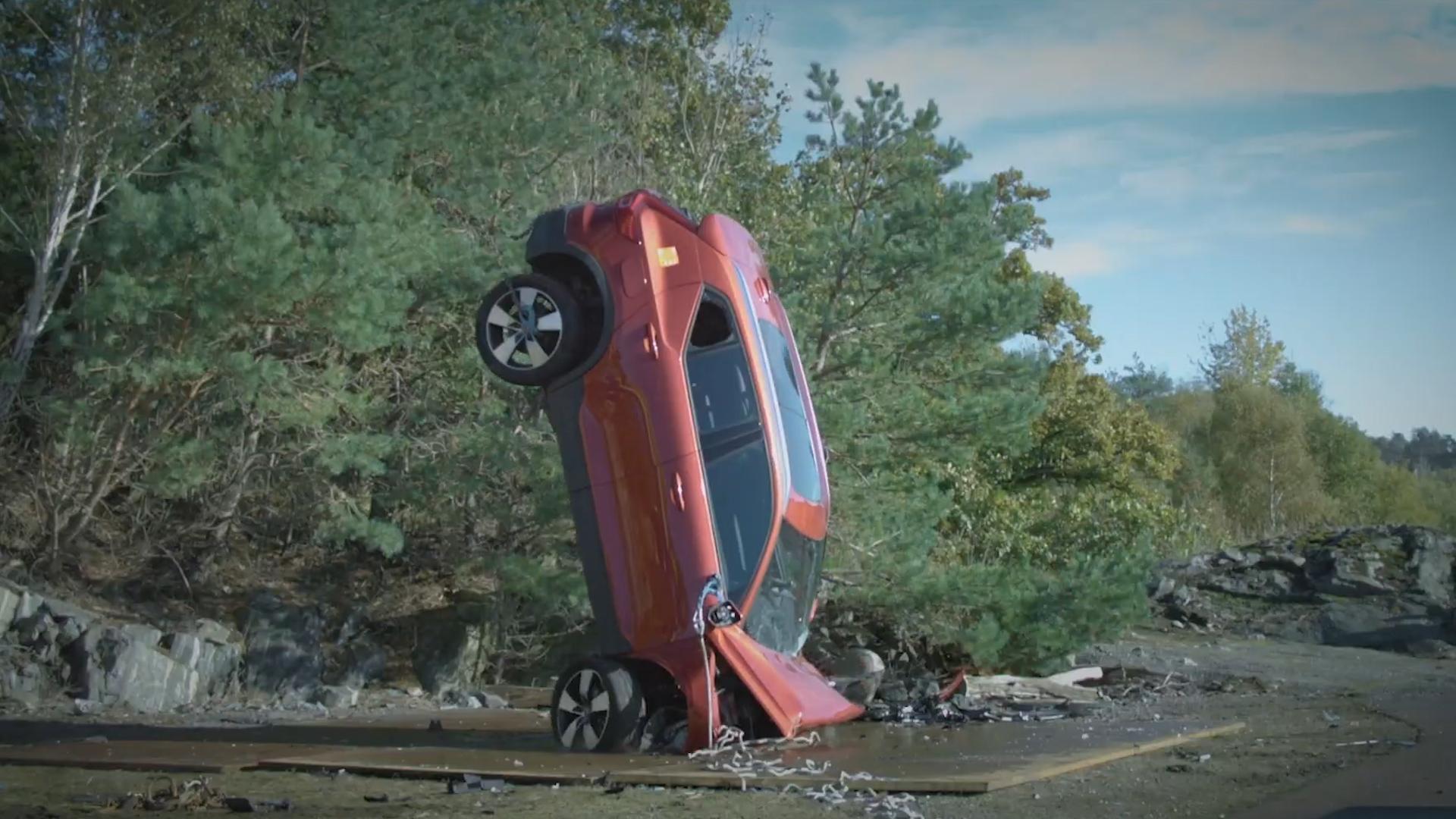 Thử độ an toàn xe Volvo 2