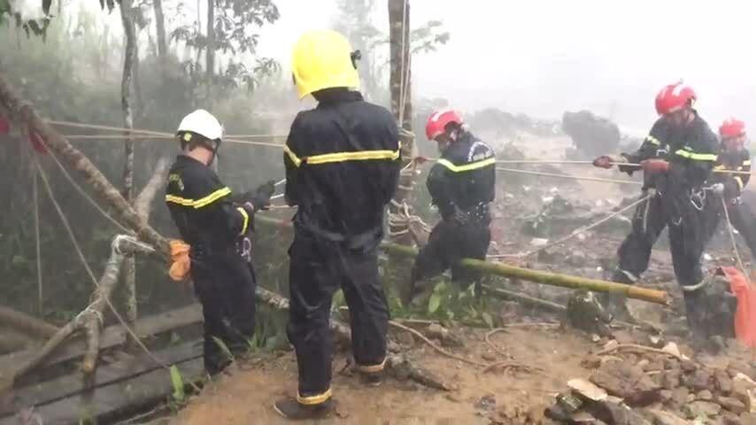 Lần cứu nạn dưới hang sâu 280 m của thiếu tá cảnh sát