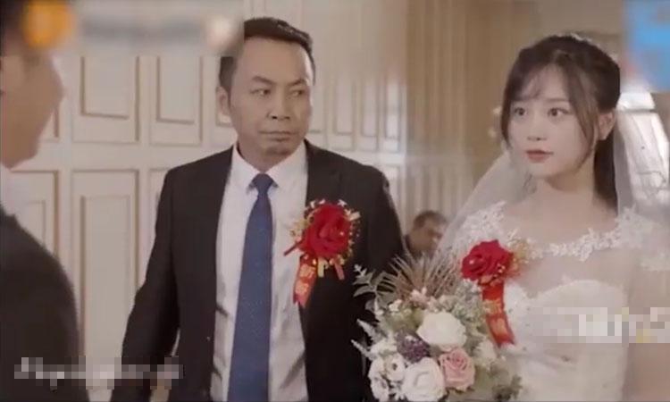 Cô dâu mời dàn người yêu cũ đến dự đám cưới
