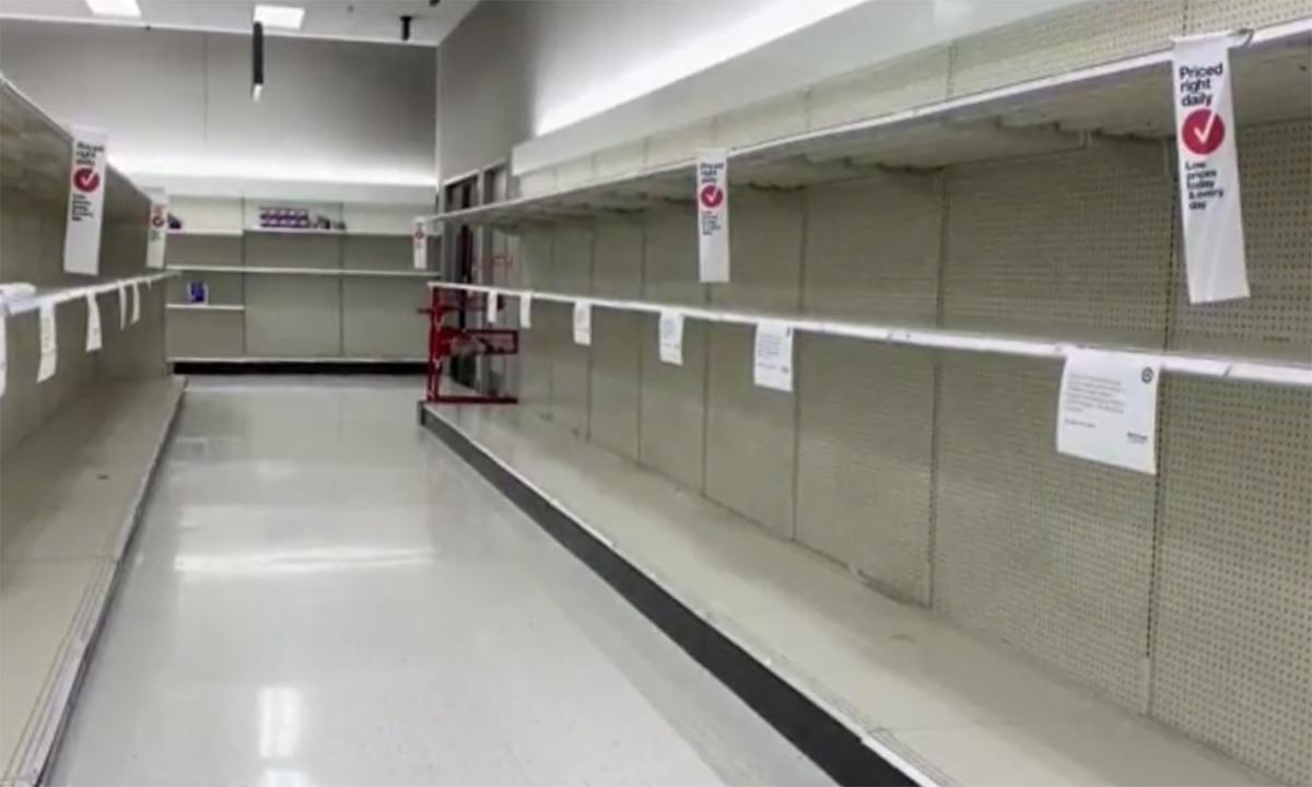 Dân Mỹ lại vét sạch hàng siêu thị