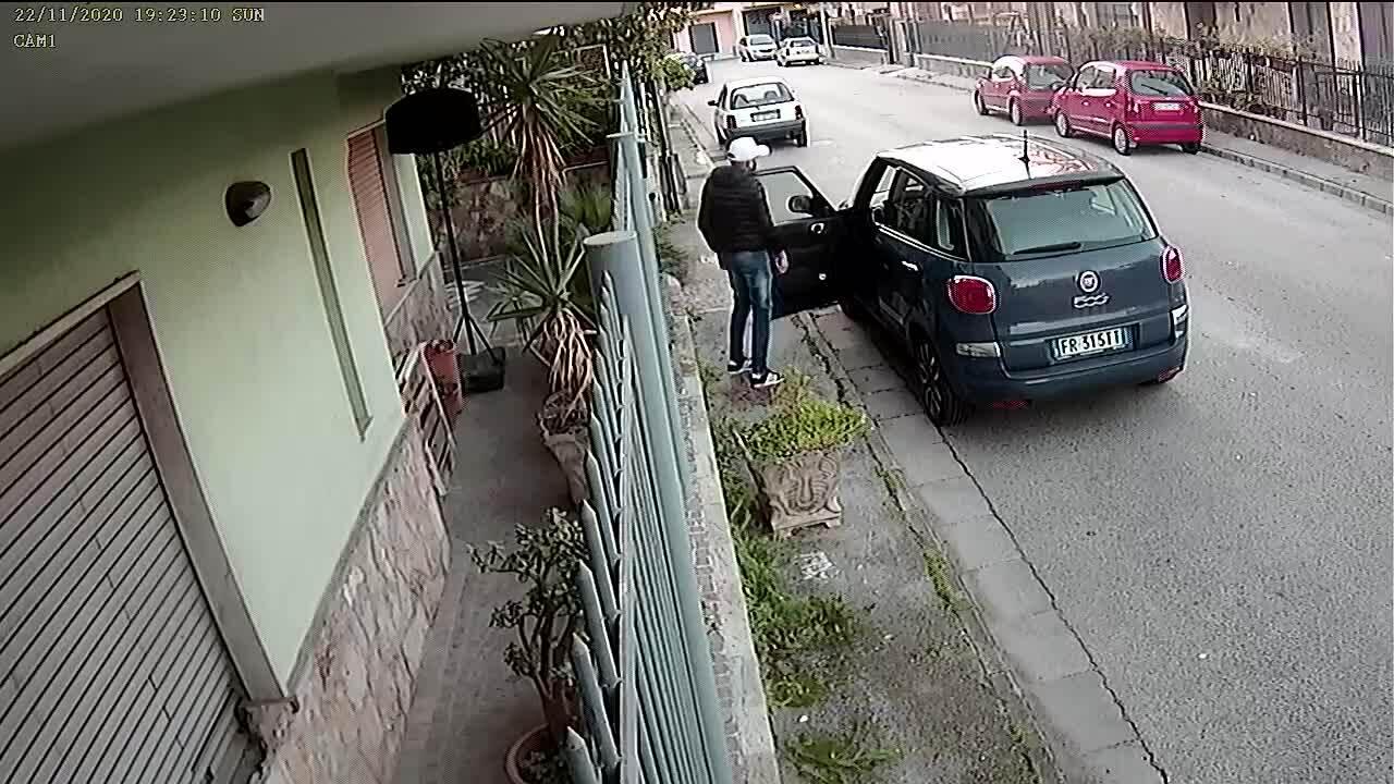 Trộm ôtô trong vòng 30 giây
