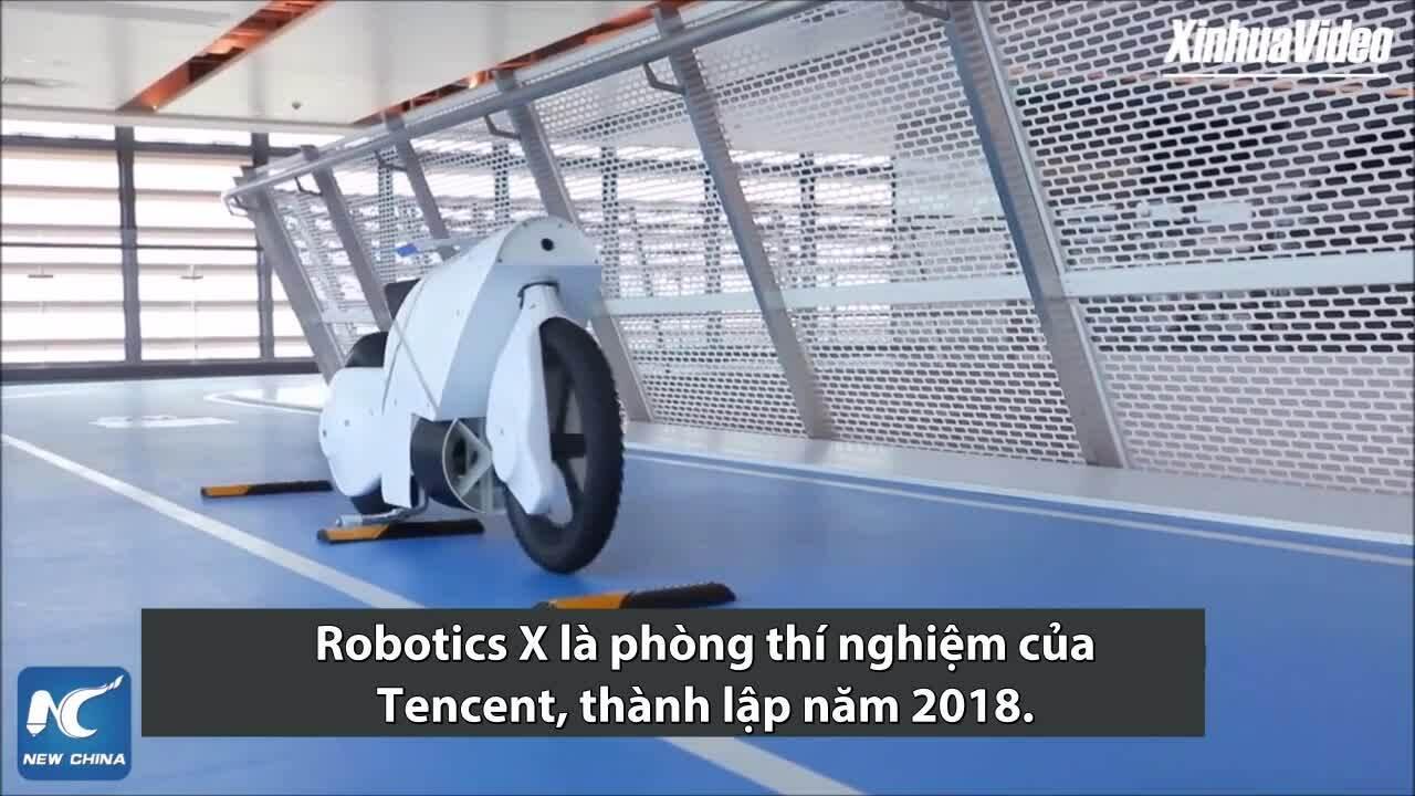 Công ty Trung Quốc ra mắt xe máy robot