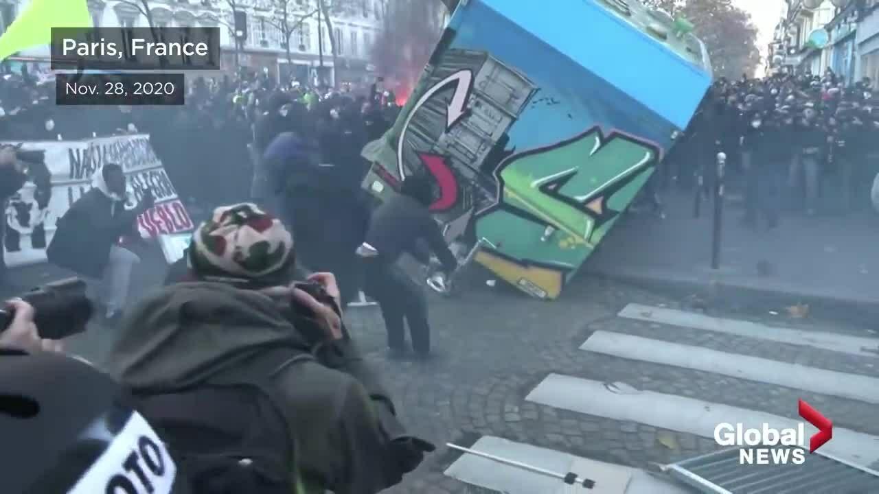 Dân Pháp biểu tình phản đối dự luật an ninh