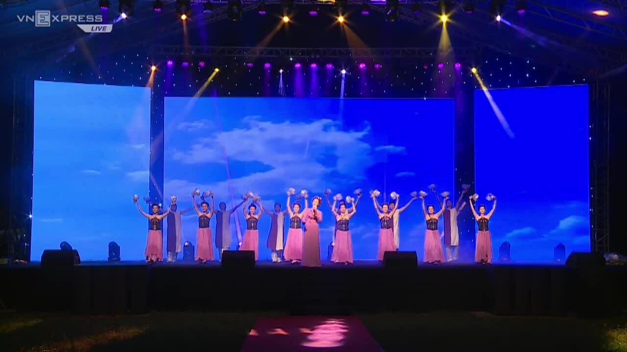 Chầu Văn: Sound of Huong Binh