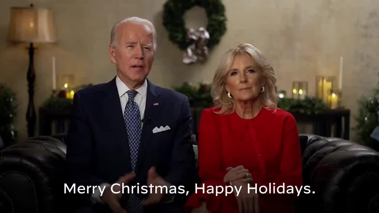 Thông điệp Giáng sinh khác biệt của Trump và Biden