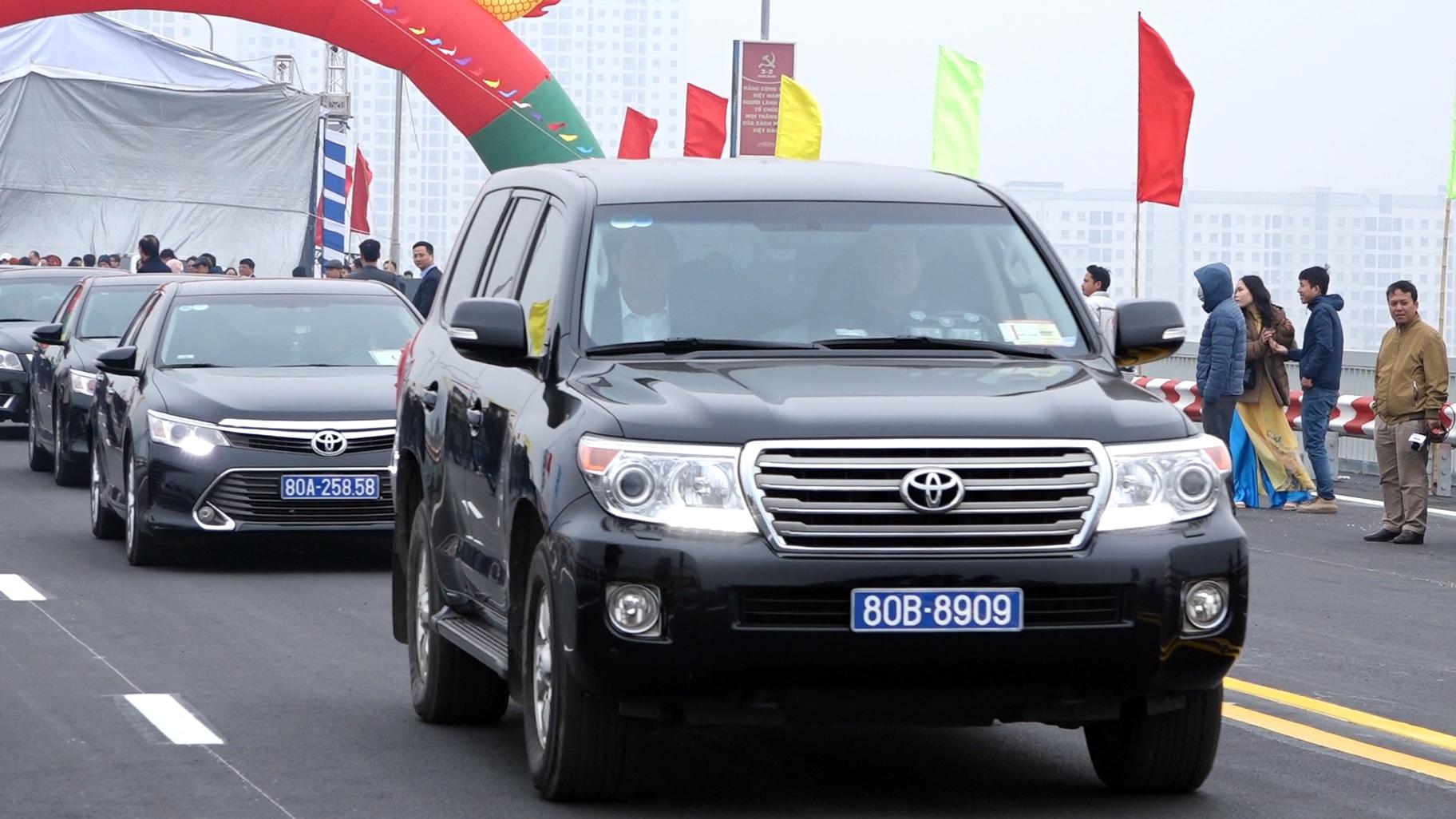 Thông xe cầu Thăng Long