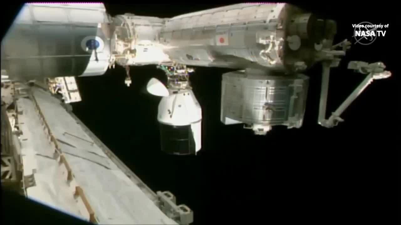 Tàu chở hàng SpaceX lần đầu tự động tách khỏi trạm ISS