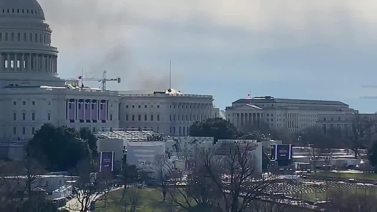 Đồi Capitol bị phong tỏa vì đám cháy khu vô gia cư