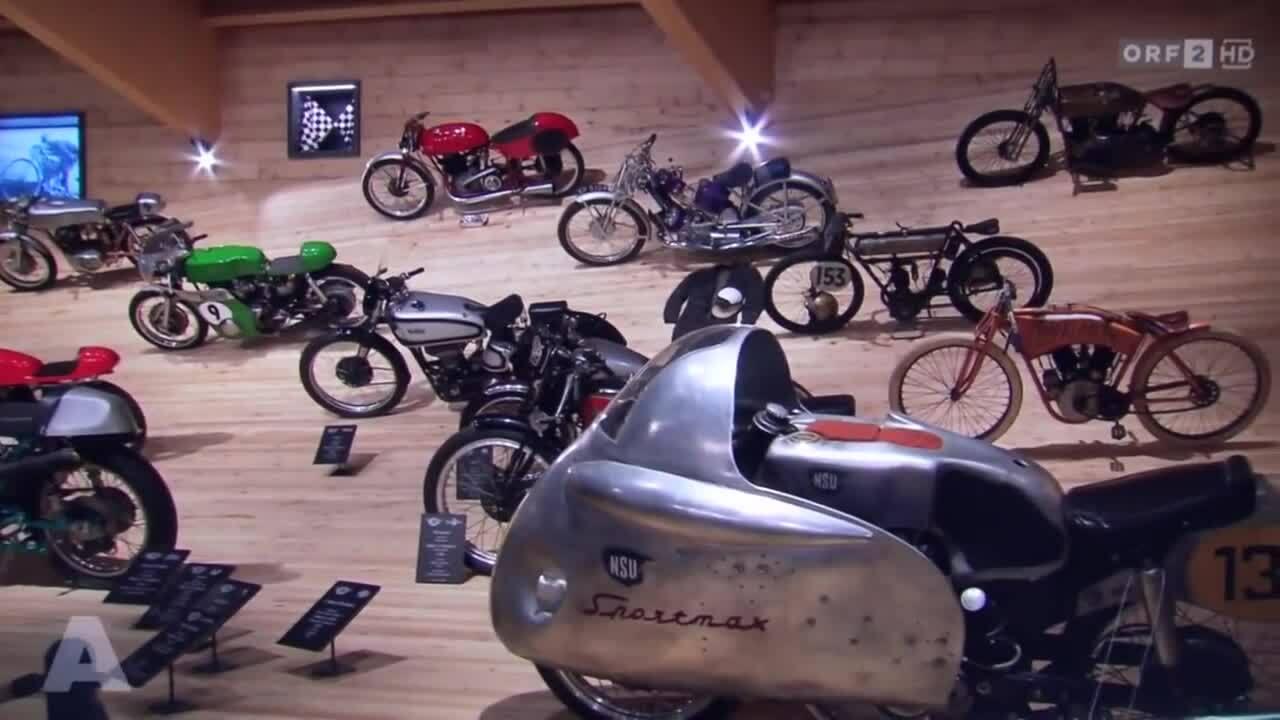Hàng trăm môtô cổ cháy trụi trong bảo tàng