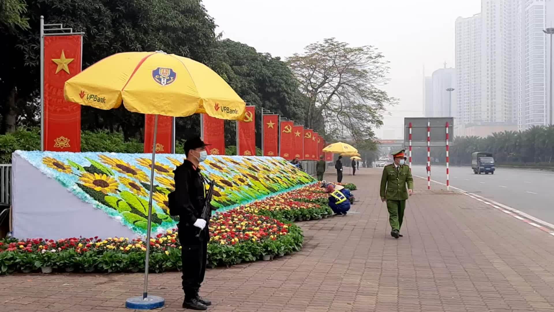 Hàng nghìn cảnh sát bảo vệ nơi diễn ra Đại hội Đảng