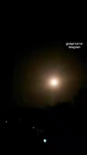 Phòng không Syria chặn đòn không kích của Israel