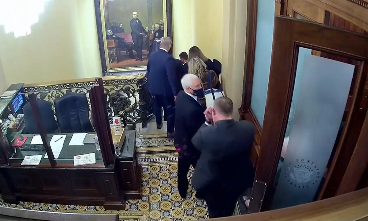 Video publicado que muestra a manifestantes 'persiguiendo' a miembros del Congreso de EE. UU.