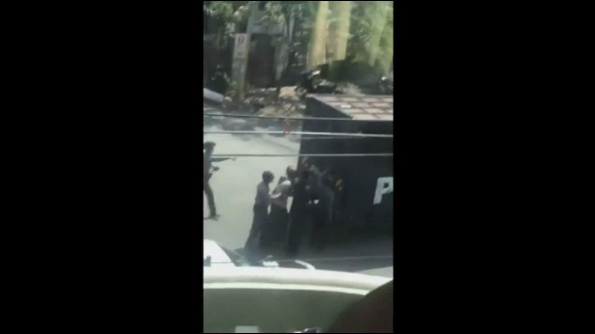 Cảnh sát Myanmar đuổi bắt người biểu tình