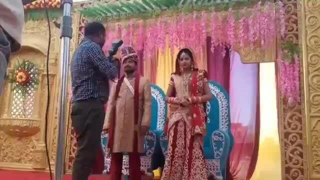 Chú rể tung đấm thợ chụp ảnh trong ngày cưới
