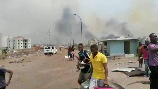 Đốt rơm gây nổ kho đạn, hơn 600 người thương vong