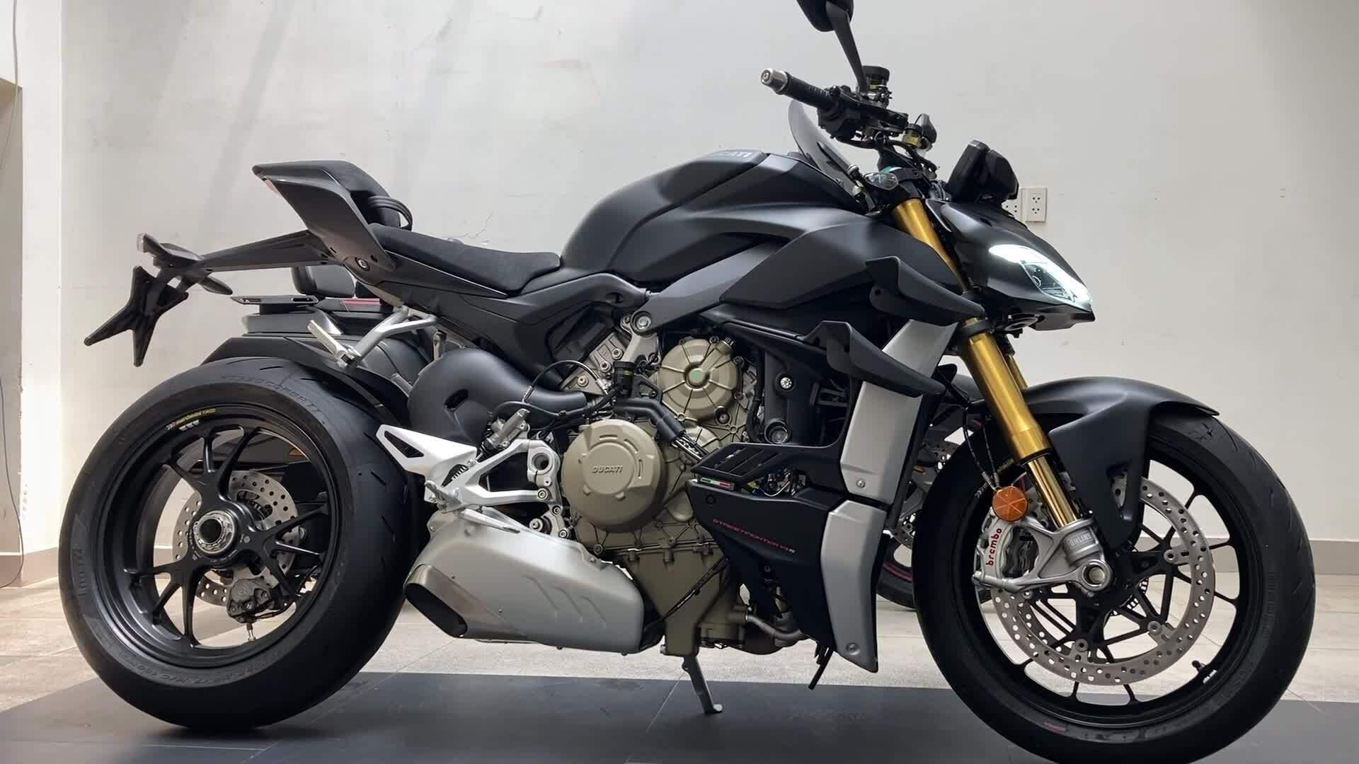 Ducati Streetfighter V4S - nakedbike mạnh 208 mã lực về Việt Nam