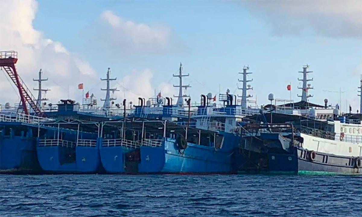 Philippines tung video đội tàu cá Trung Quốc ở Biển Đông