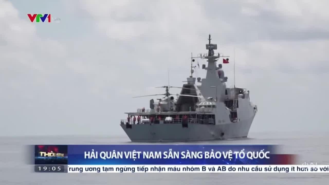 Tàu hộ vệ Việt Nam diễn tập chiến đấu trên Biển Đông