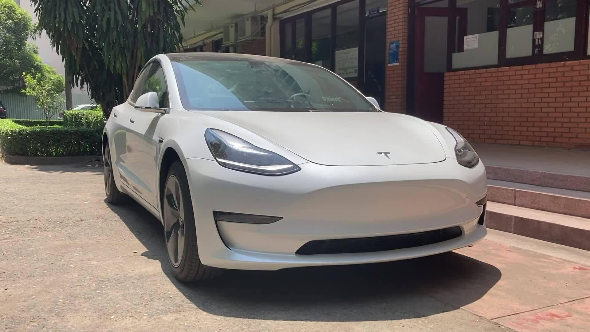 Tesla Model 3 - xe điện hàng hiếm tại Việt Nam