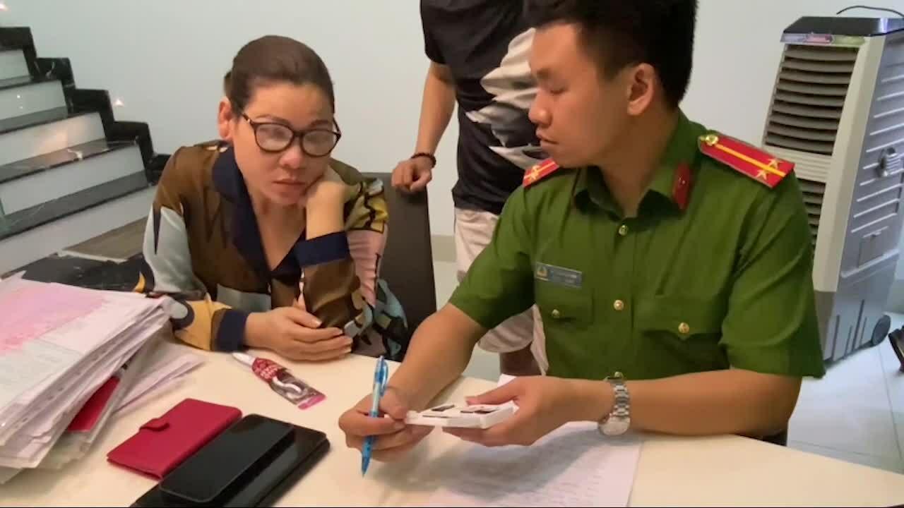 Video khám xét nhà nữ đại gia Vũng Tàu