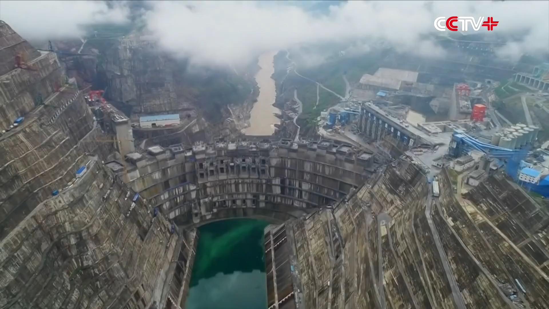 Trạm thủy điện lớn thứ hai Trung Quốc bắt đầu trữ nước