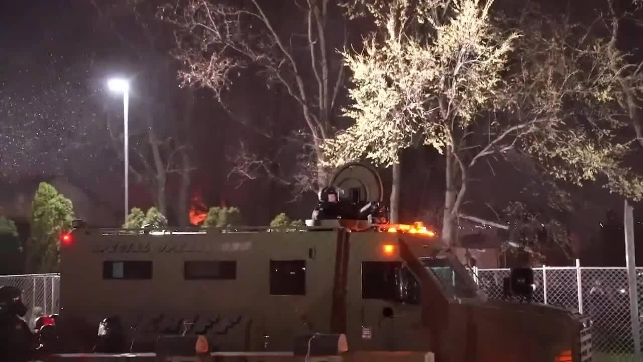 Người biểu tình Mỹ đụng độ cảnh sát ba đêm liên tiếp