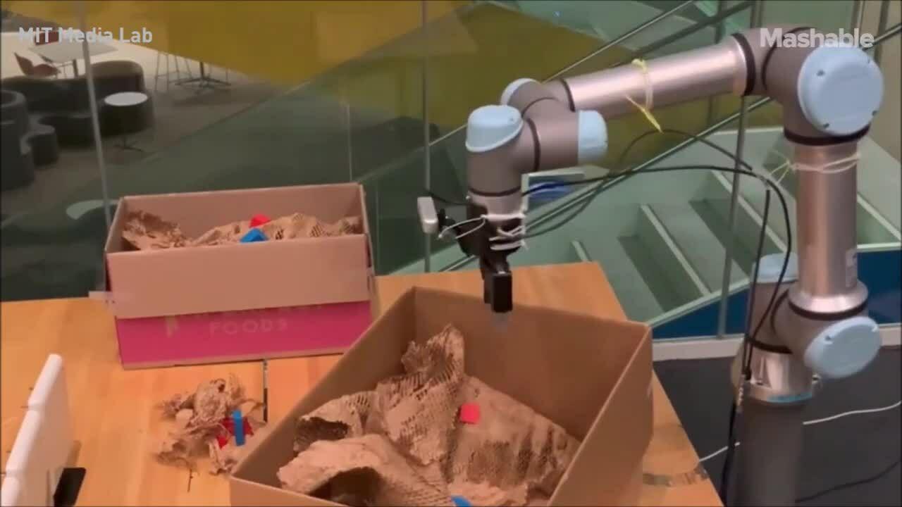 Robot giúp tìm kiếm đồ thất lạc