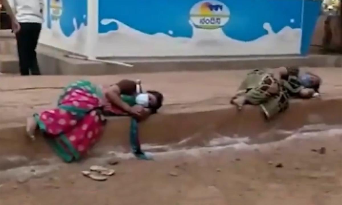 Người nhiễm nCoV tại Ấn Độ ngủ trên vỉa hè