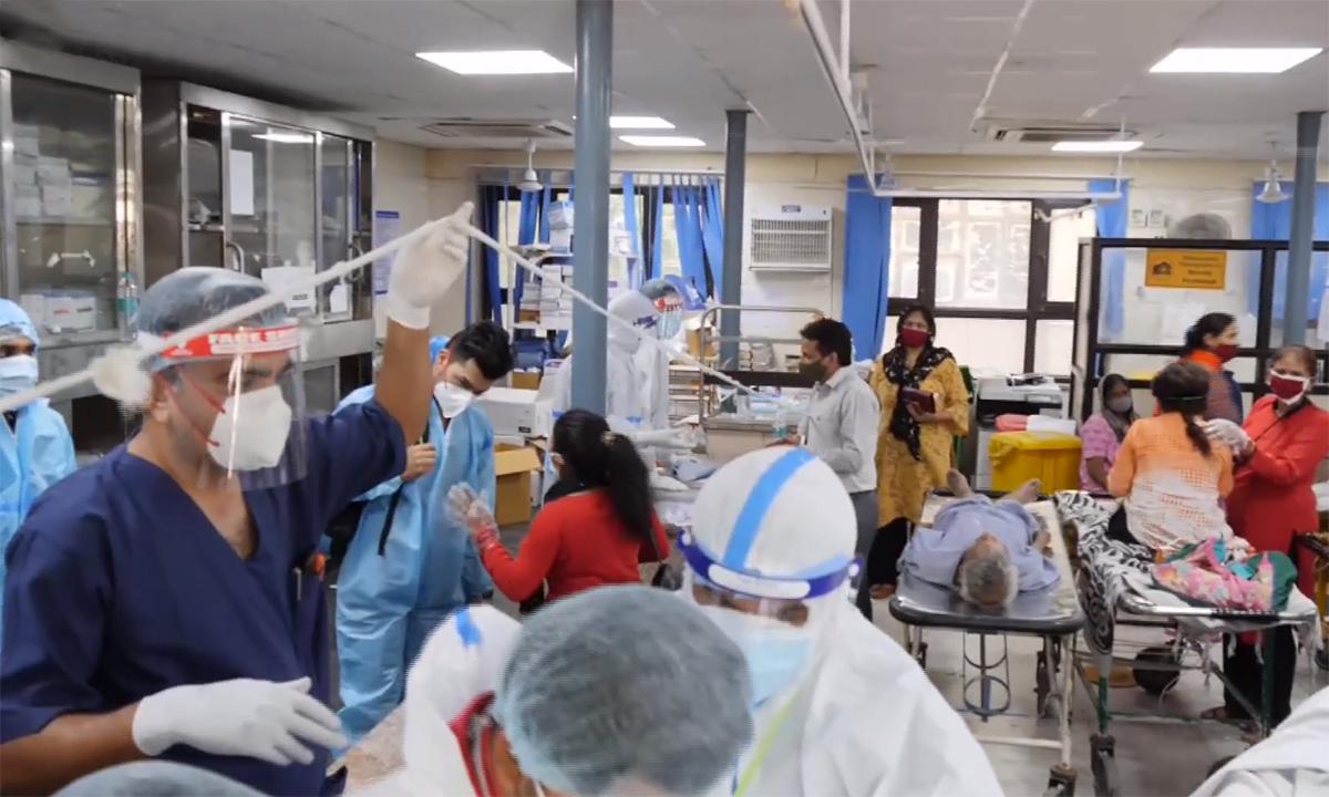 Thảm cảnh bên trong bệnh viện Ấn Độ giữa khủng hoảng Covid-19