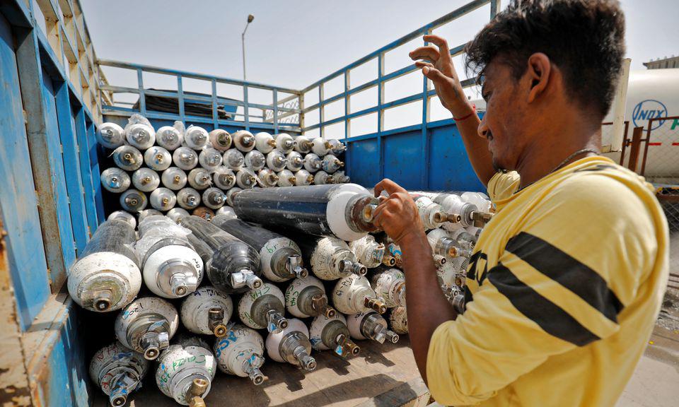Ấn Độ chật vật trong cơn khát oxy