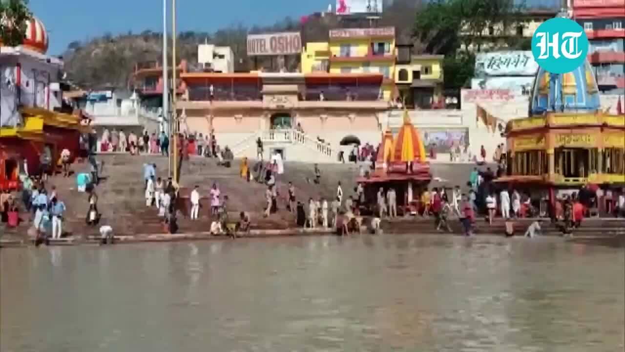 Hàng chục nghìn người Ấn Độ dự lễ hội giữa thảm kịch Covid-19