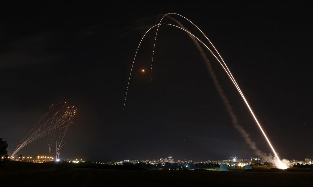 Tổ hợp phòng thủ giúp Israel chặn hơn 90% rocket