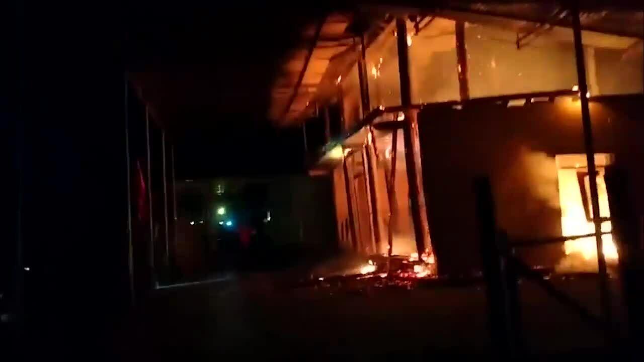 Nhà cháy