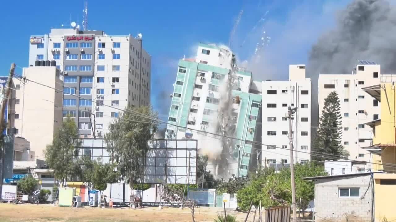 Israel đánh sập trụ sở nhiều hãng tin quốc tế