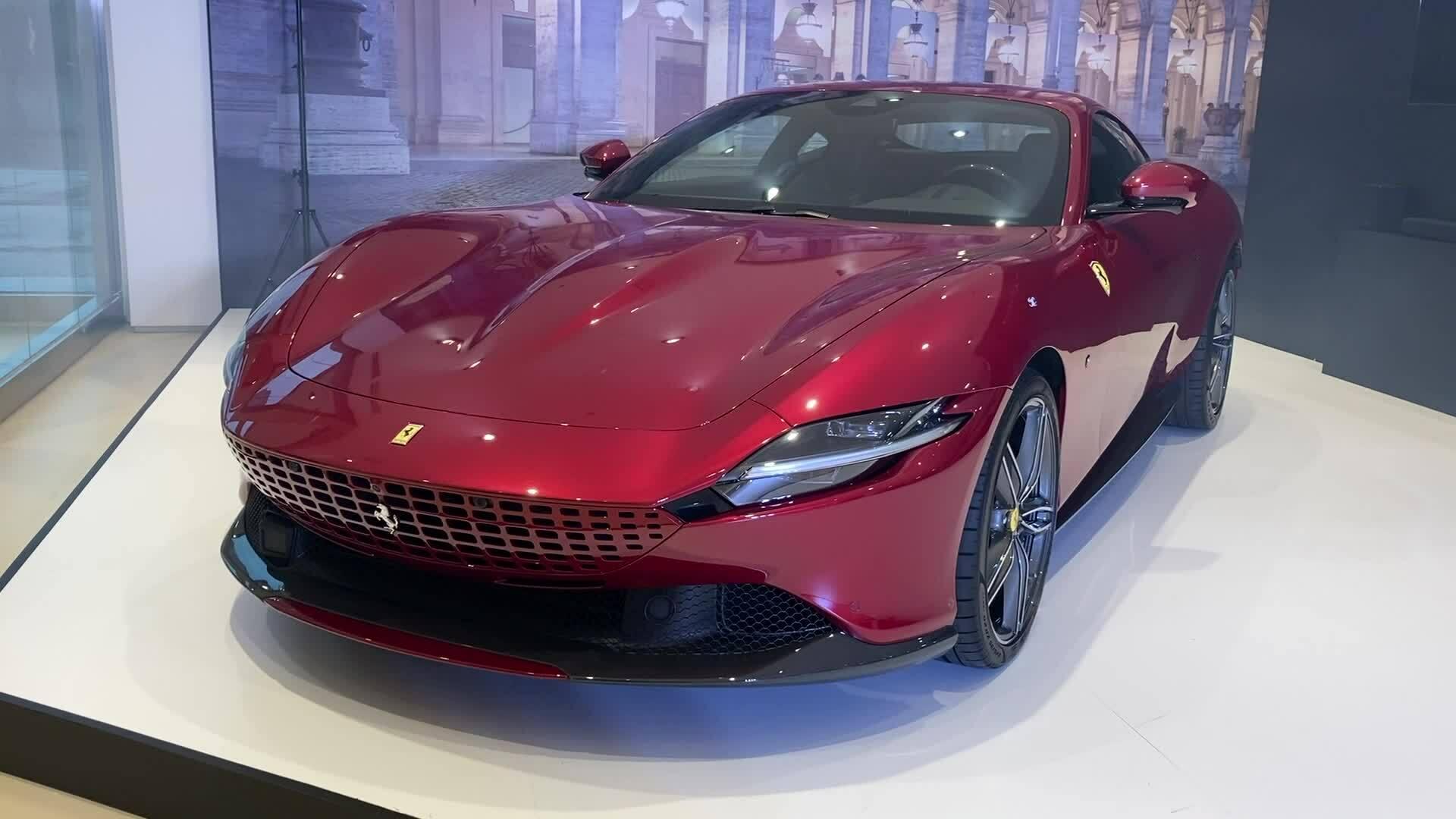 Ferrari Roma - siêu xe 4 chỗ giá gần 21 tỷ đồng