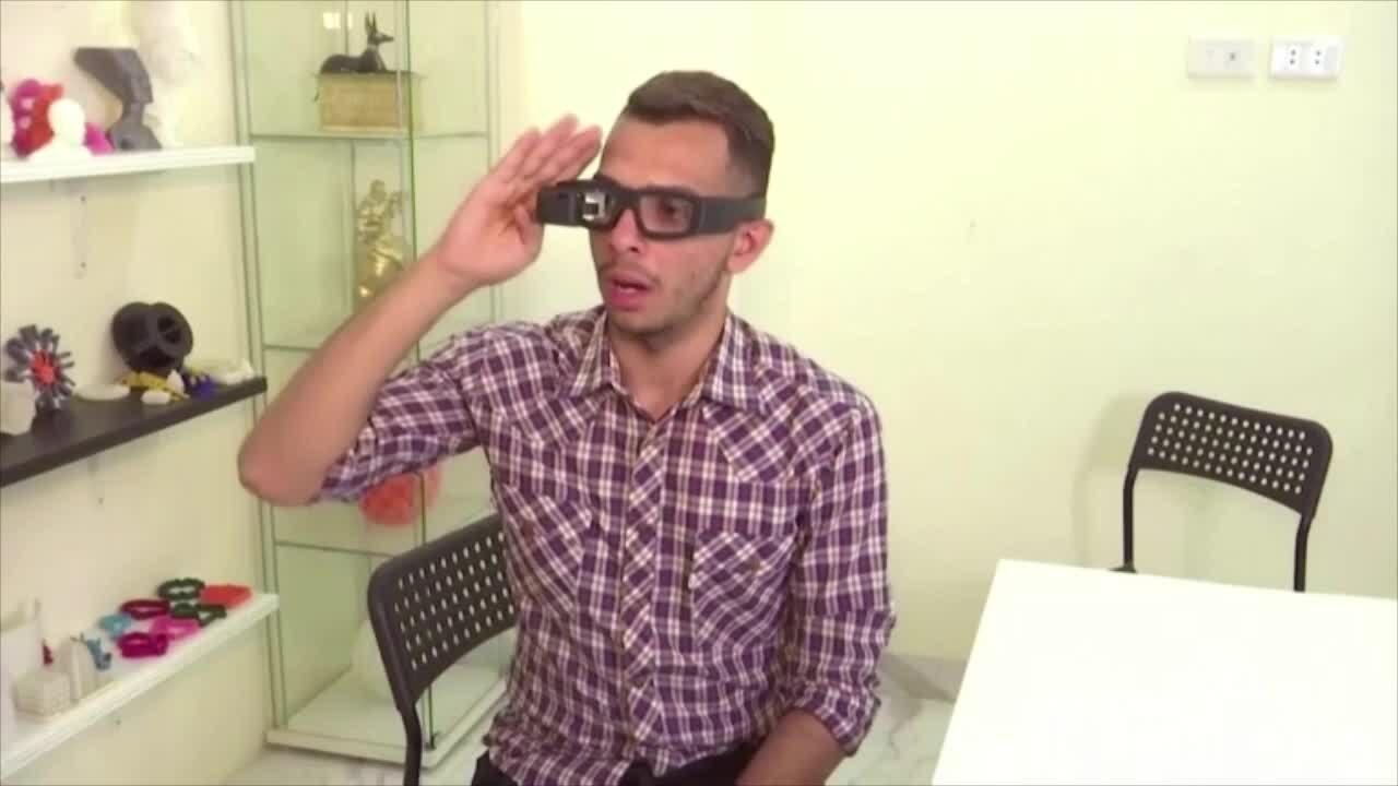 Kính dịch giọng nói sang ngôn ngữ ký hiệu