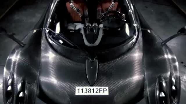 Những mẫu xe đắt nhất thế giới thử nghiệm va chạm