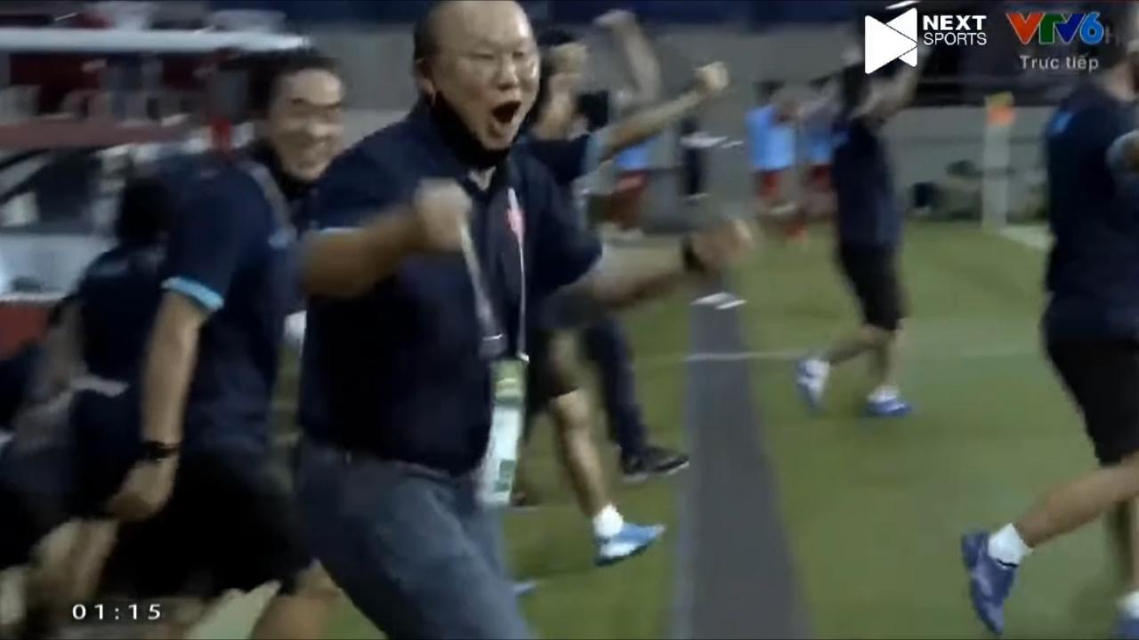 '50 sắc thái' của thầy Park khi học trò ghi bàn