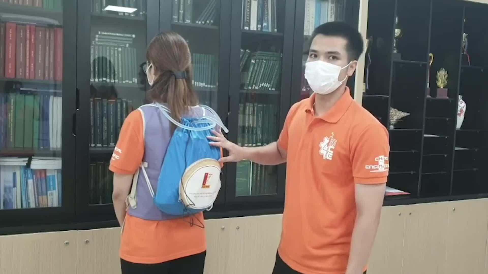 Sinh viên Bách khoa sáng chế áo làm mát hỗ trợ y bác sĩ