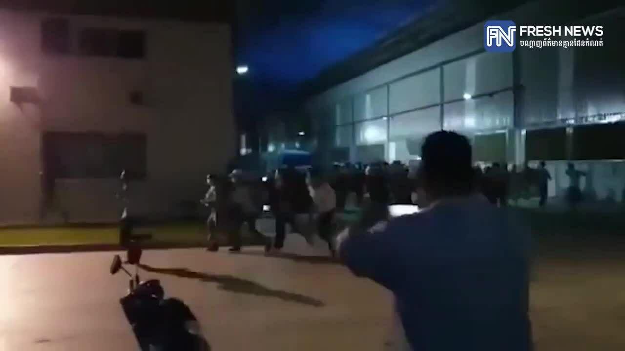 Hàng nghìn công nhân tháo chạy khi nghe tin xét nghiệm Covid-19