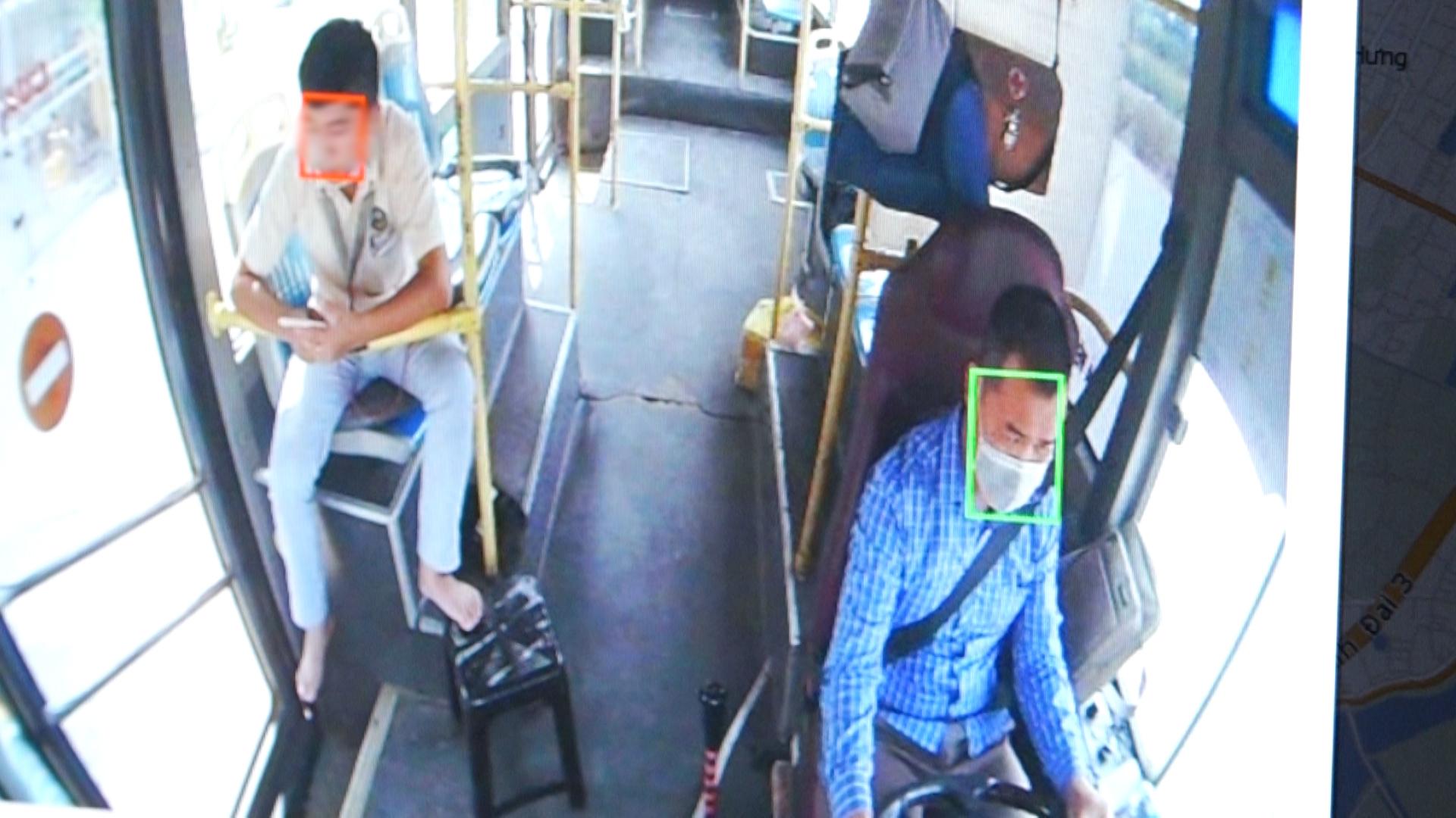 Camera AI phát hiện người không đeo khẩu trang trên xe buýt
