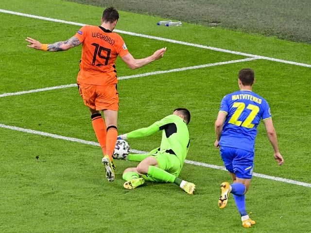 Belanda 3-2 Ukraina