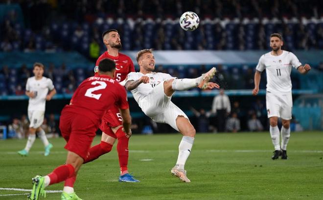 Insigne ghi bàn ấn định tỷ số 3-0 cho Italy