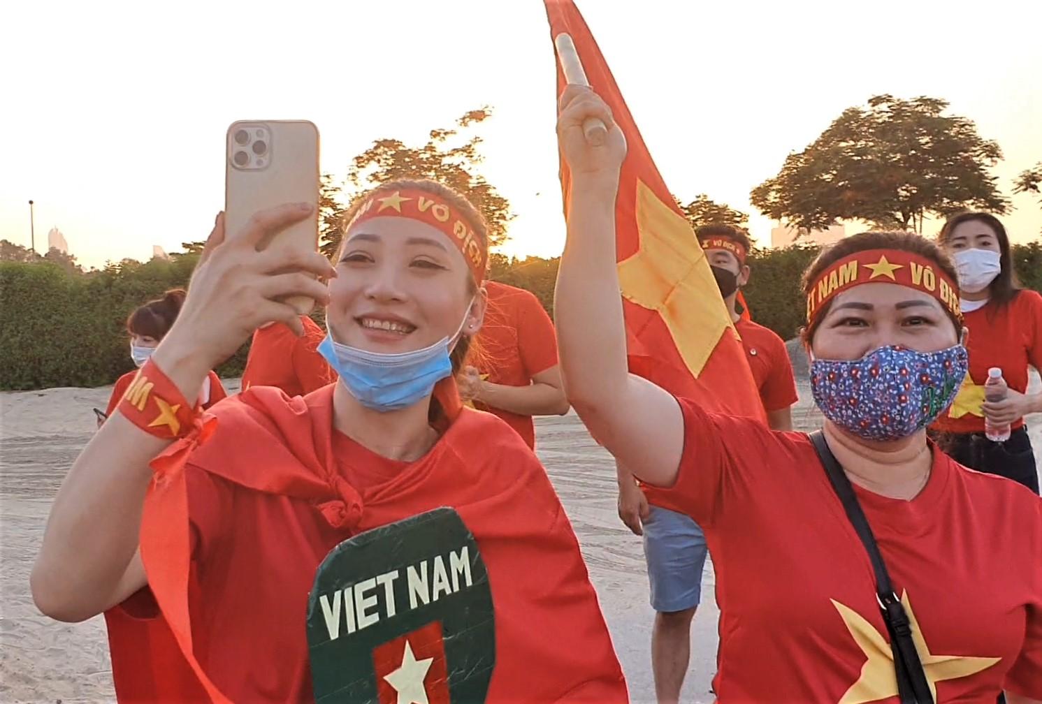 Fans berbondong-bondong ke Stadion Zabeel untuk mendukung Vietnam