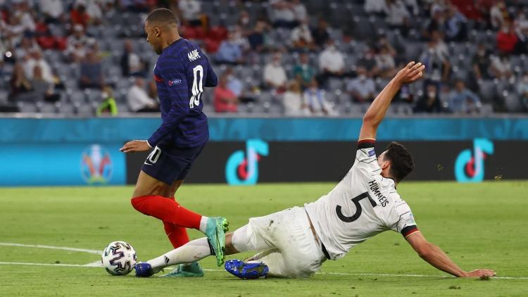 Pháp 1-0 Đức