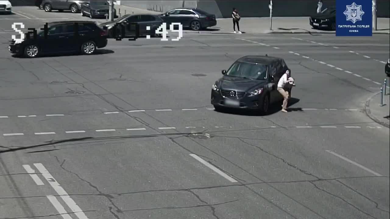 Nữ tài xế gây va chạm rồi bỏ chạy vì 'căng thẳng'