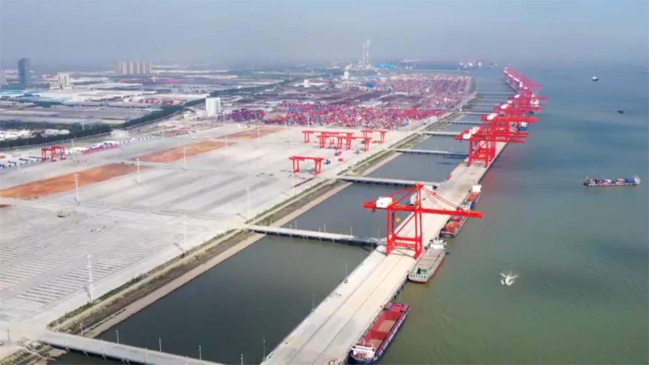 Bến container 5G tự động đầu tiên trên sông Trường Giang