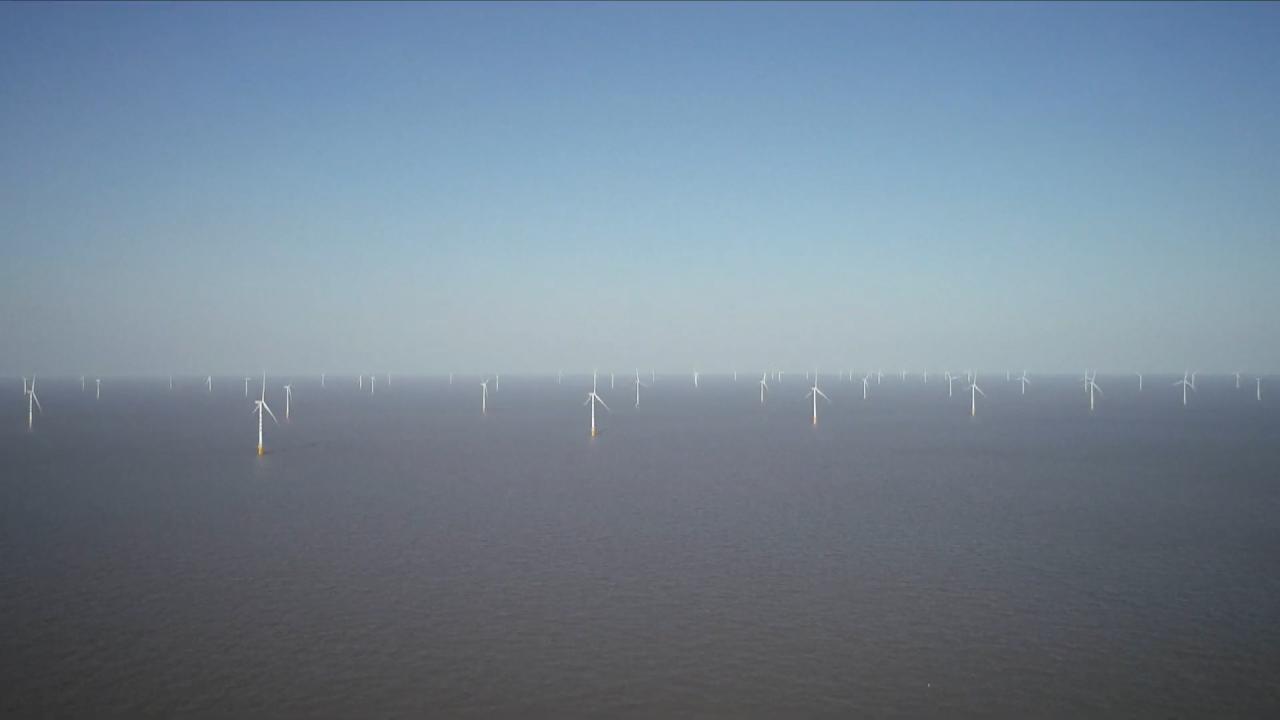 Hoàn thành dự án điện gió ngoài khơi lớn nhất Trung Quốc