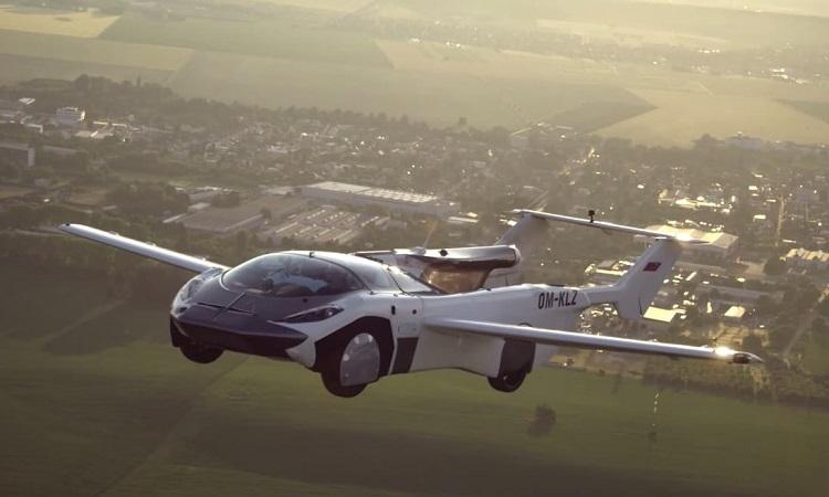 Xe bay 170 km/h bay thử giữa các thành phố