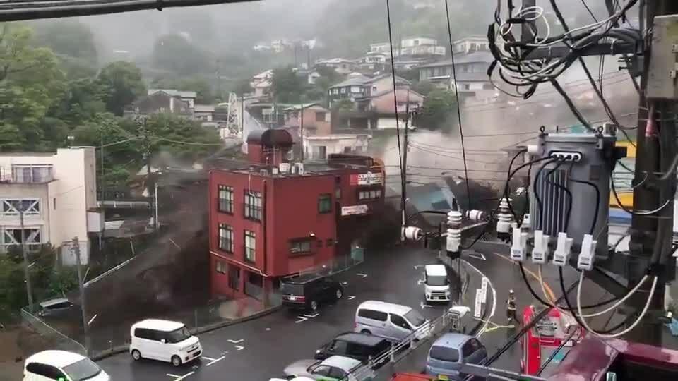 19 người mất tích vì lở đất ở Nhật Bản